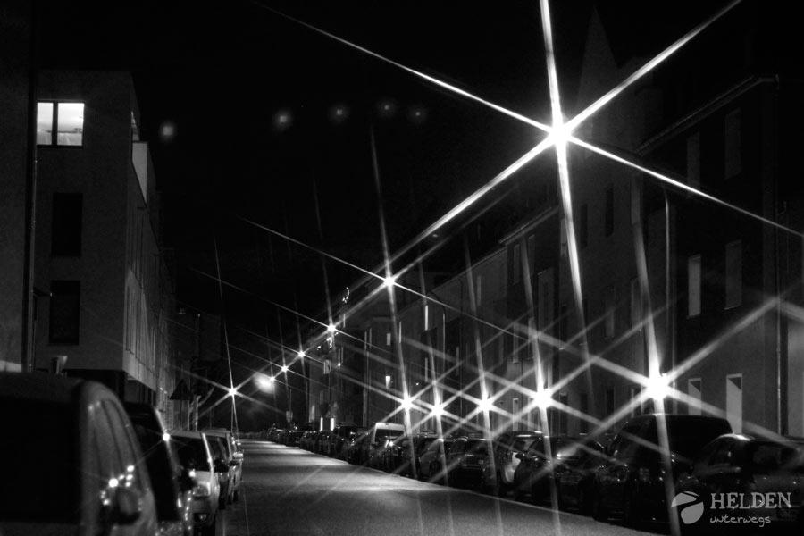 Der Hama Sternfilter im Praxistest: Straßenlaternen sorgen hier für die Effekte.