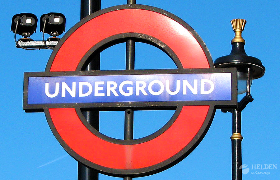 london_underground_sign