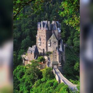 Burg Eltz im Eltztal