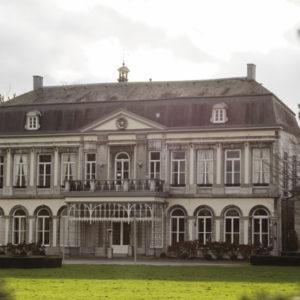 Das großartige Hauptgebäude des Schlosses