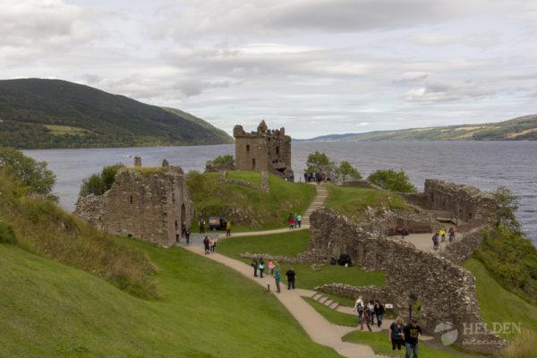 Blick auf Urquhart Castle