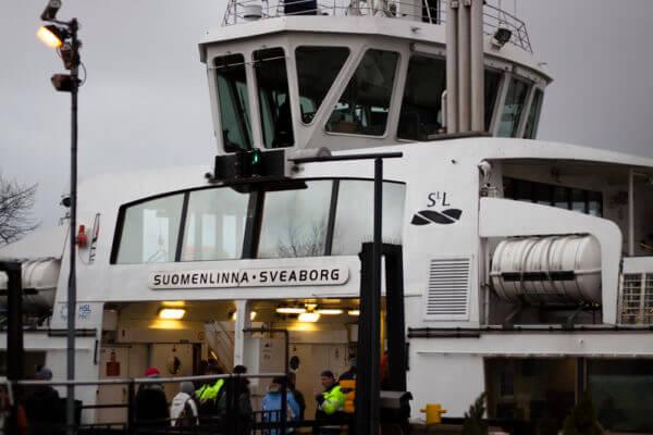 Mit der Fähre von Helsinki zu Suomenlinna und zurück